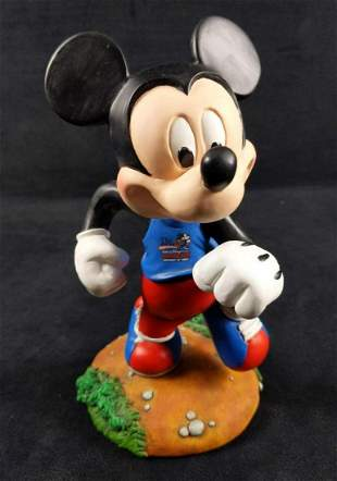 Disney Marathon LE Running Mickey Mouse Bobblehead