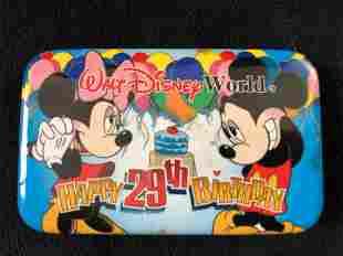 Huge Lot of Vintage 46 Official 2000 Walt Disney World