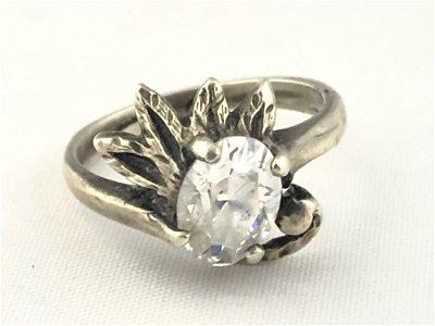 Vintage Sterling Silver Flower Solitaire Glass CZ Ring
