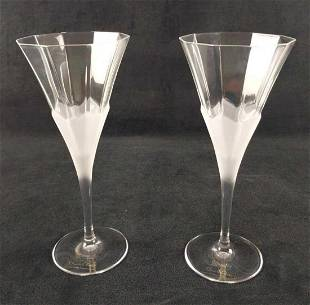 Two Oscar De La Renta Edelweiss Wine Glasses B