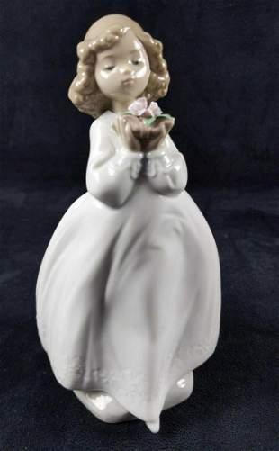 Nao Lladro Porcelain Girl The Flower Girl Spain