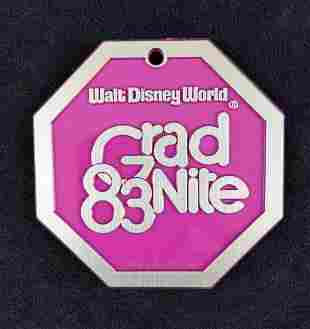 4 Rare Vintage Disney World Grad Night 83 Medallion
