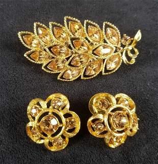 Vintage Gold Toned Flower Brooch and Flower Shaped