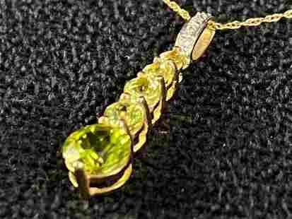 Vintage 10K Gold Peridot & Diamond Stick Pendant &