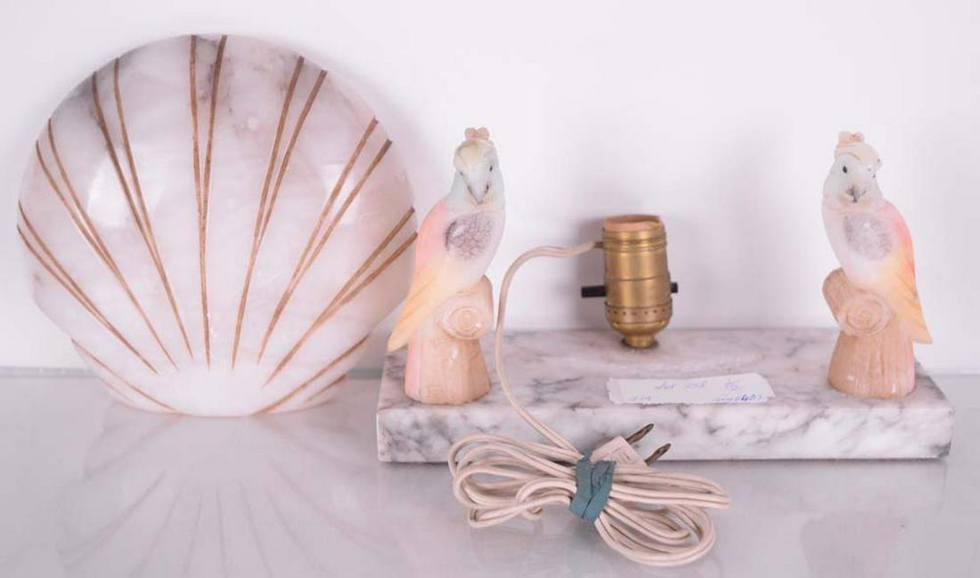 - Lampe en marbre et albatre oiseaux et coquillages -