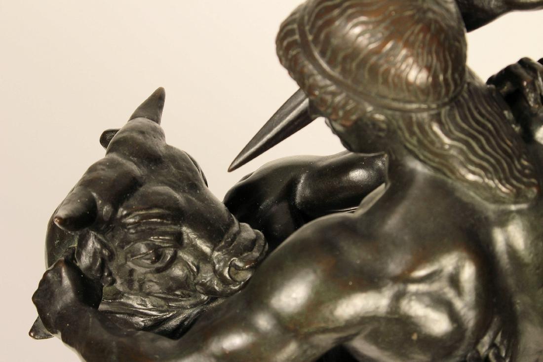 Antoine-Louis Barye Thésées Combattant le Minotaure - 2