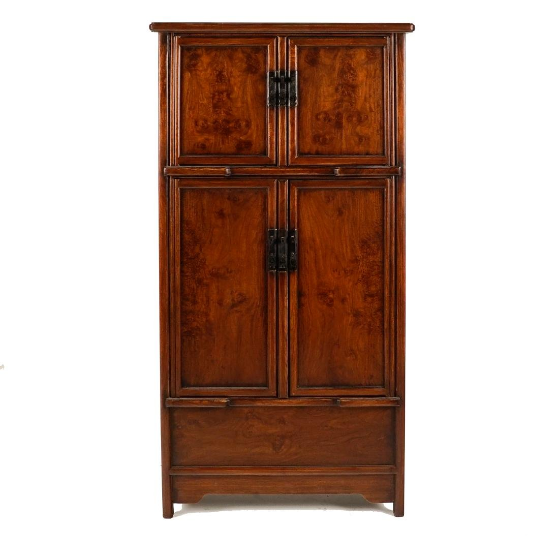 18/19TH C CHINESE HUANGHUALI LARGE CABINET