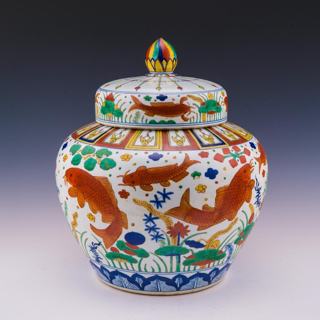 LARGE WUCAI PORCELAIN HELMET JAR IN FISH MOTIF