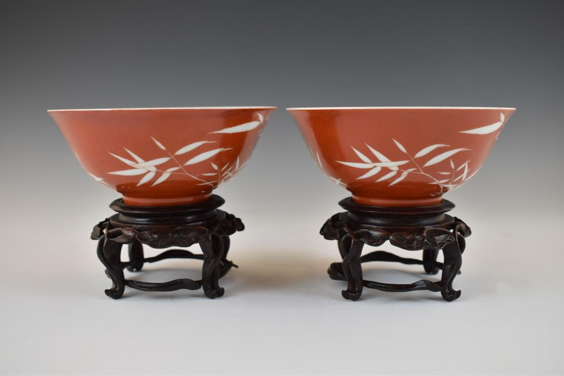 PAIR OF BAMBOO RED BOWLS IN PROTECTIVE BOX - 10