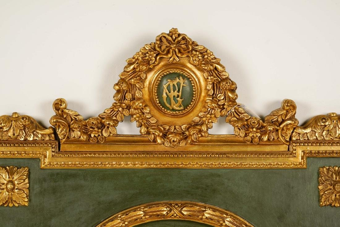 LARGE LOUIS XVI-STYLE CARVED GILTWOOD MIRROR - 3