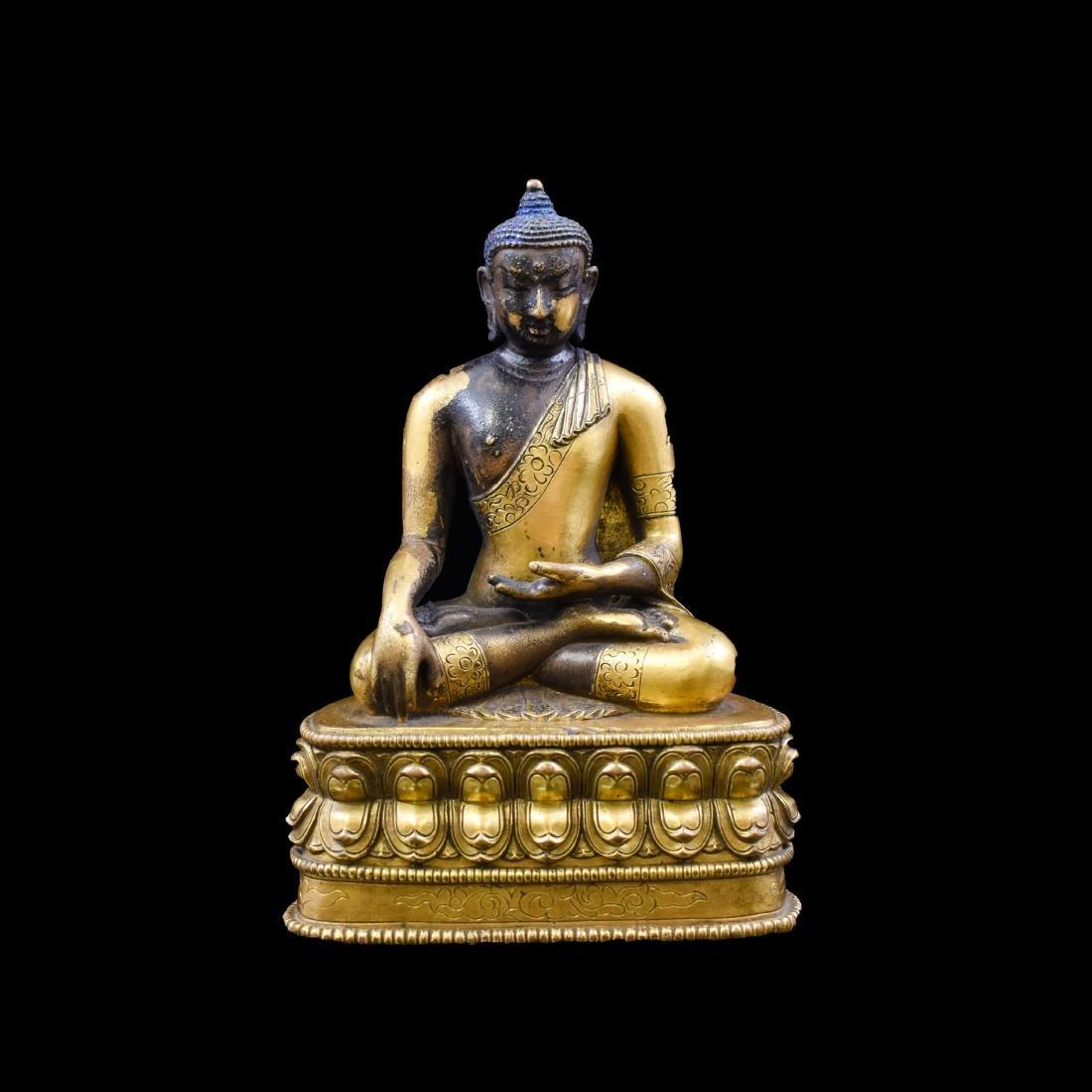 CHINESE QING GILT BRONZE SHAKYAMUNI BUDDHA