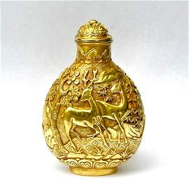 RARE, SOLID GOLD SNUFF BOTTLE IN DEER RELIEF
