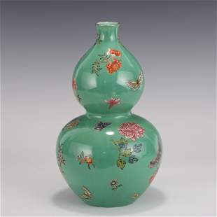 QING FAMILLE ROSE BUTTERFLIES & FLOWERS TURQUOISE