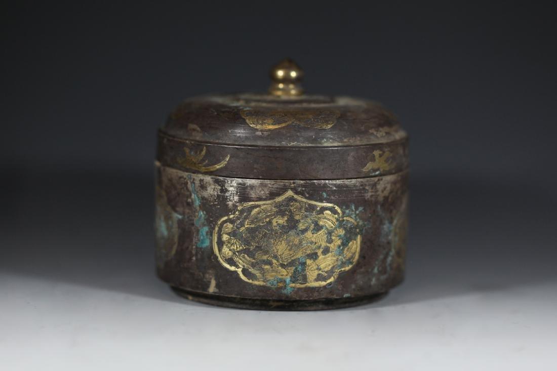 A GILT-BRONZE BOX - 3