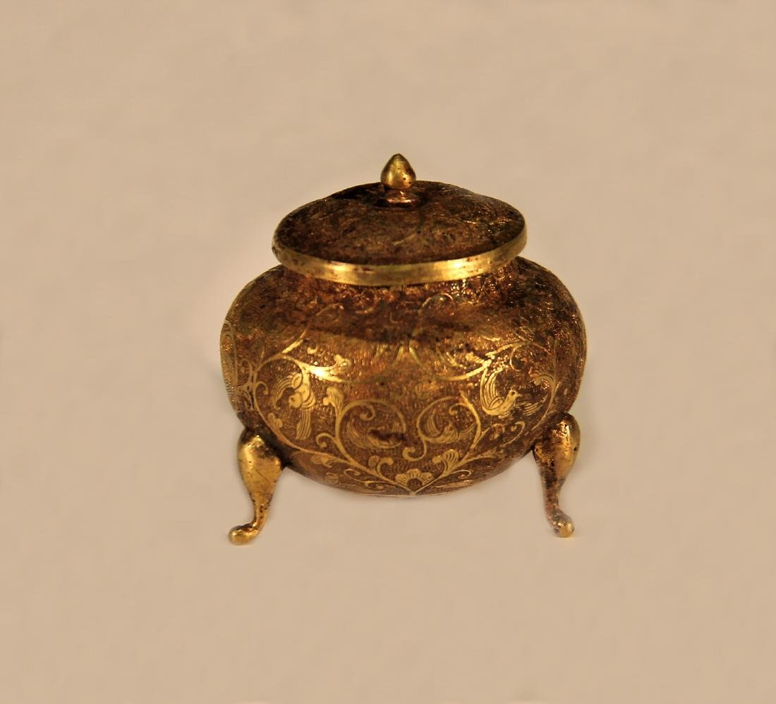 A Golden Tirpod Vessel with Lotus shape - Tang Dynasty