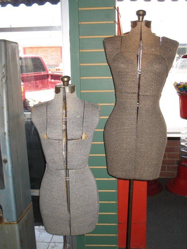 2: LADIES STORE DISPLAY DRESS FORMS