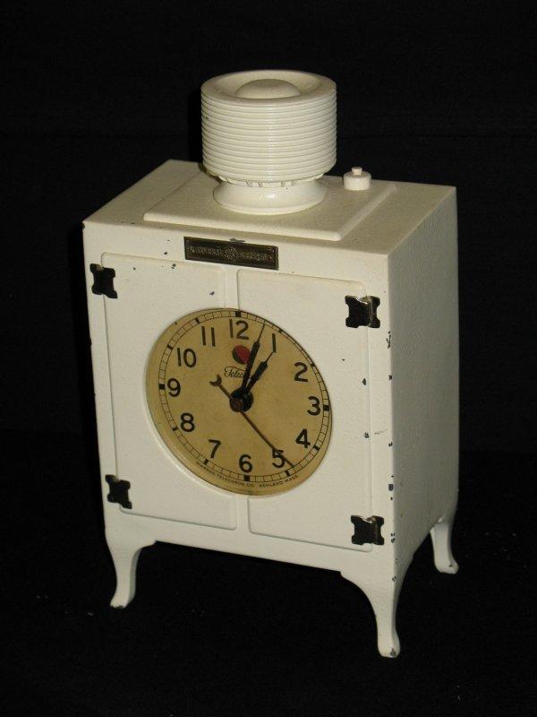 102: ANTIQUE TELECHRON GE REFRIGERATOR CLOCK
