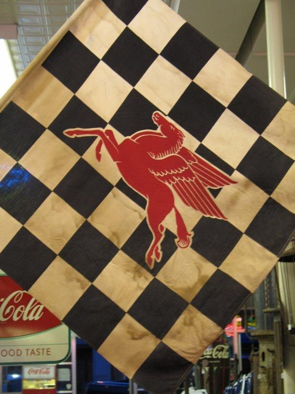 408: VINTAGE MOBIL PEGASUS CHECKERED FLAG - 2