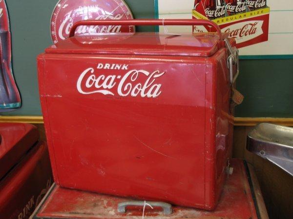 435: 1950s COCA-COLA CAVALIER PICNIC COOLER ICE CHEST