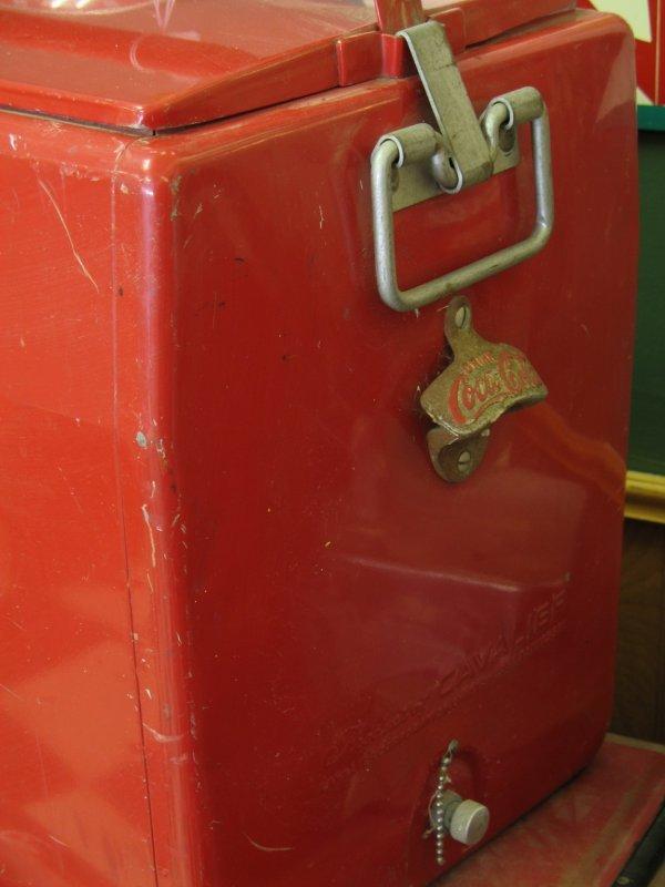 435: 1950s COCA-COLA CAVALIER PICNIC COOLER ICE CHEST - 2