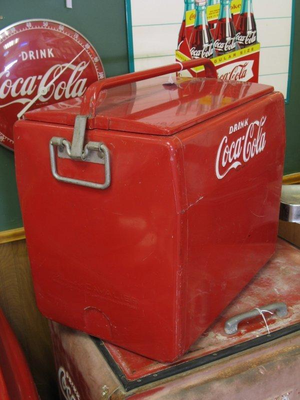 435: 1950s COCA-COLA CAVALIER PICNIC COOLER ICE CHEST - 3