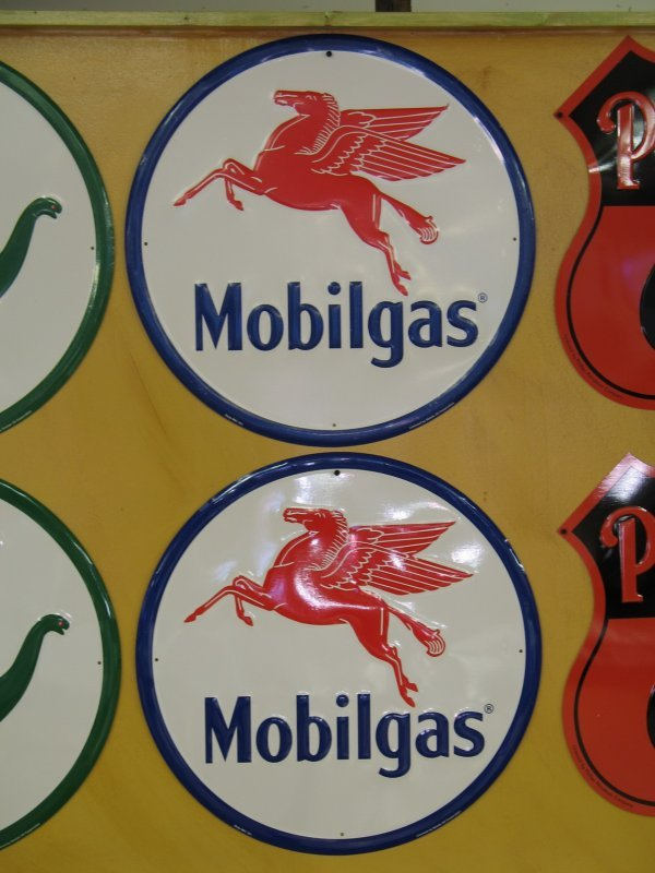 513: MOBIL MOBILGAS EMBOSSED SIGNS REPRODUCTION