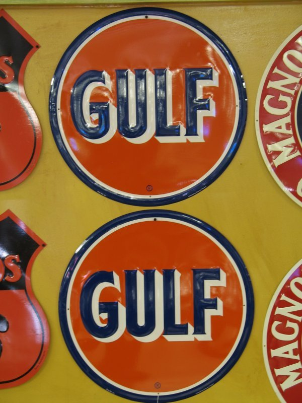 515: GULF GASOLINE EMBOSSED SIGNS REPRODUCTION