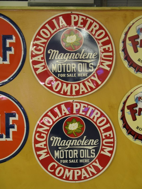 516: MAGNOLIA MOTOR OILS SIGNS BY STOUT REPRODUCTION
