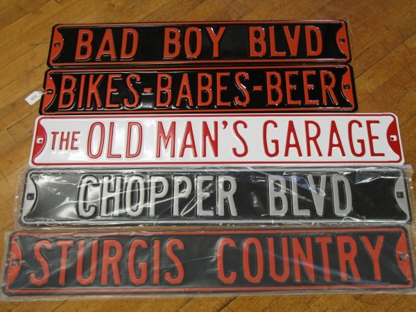 530: NEW COLLECTIBLE EMBOSSED STEEL STREET SIGNS