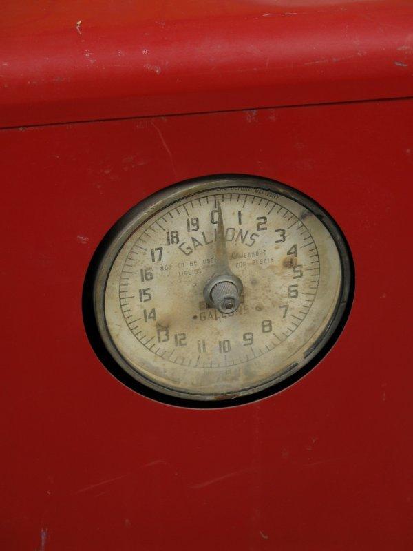 853: 1950s TOKHEIM MODEL 40 GAS BOY PUMP - 2