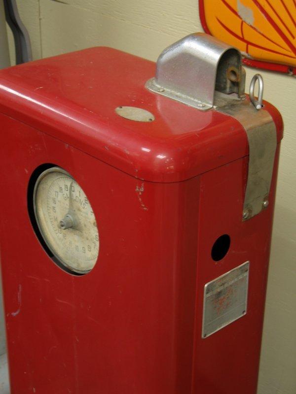 853: 1950s TOKHEIM MODEL 40 GAS BOY PUMP - 3
