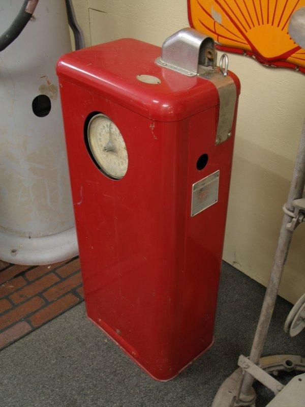 853: 1950s TOKHEIM MODEL 40 GAS BOY PUMP - 4