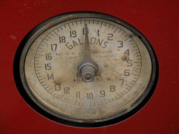 853: 1950s TOKHEIM MODEL 40 GAS BOY PUMP - 7