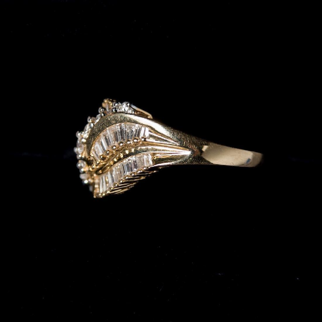14K Gold & Diamond Estate Ring