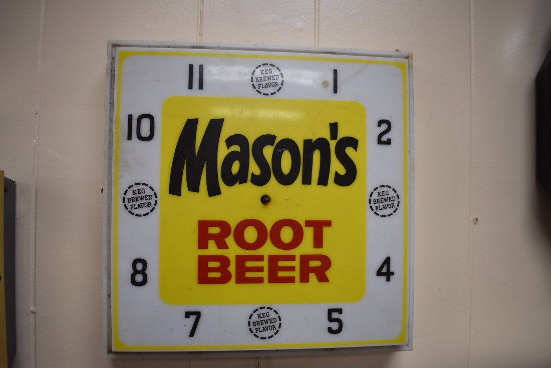 Vintage Mason's Root Beer Sign/Clock