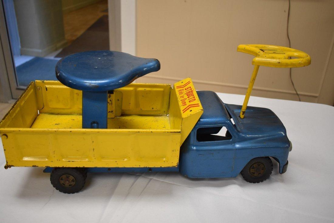 Structo Metal Toy Ride 'er Dump - 2