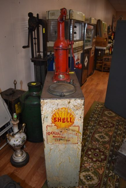 Vintage Shell Lubester Oil Pump