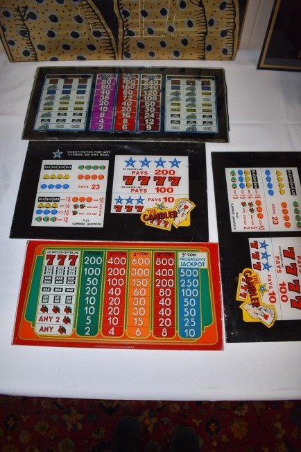 Lot of 4 Vintage Slot Machine Glass