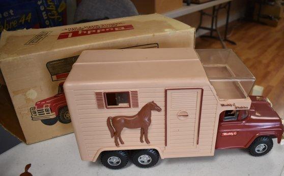 Buddy L Stables Horse Van - 3