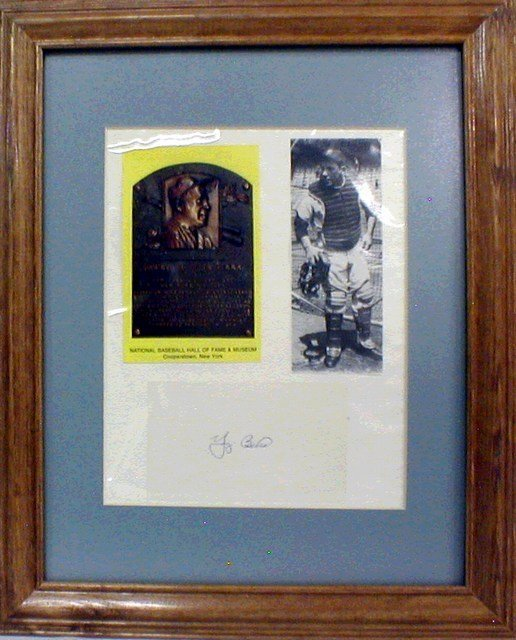1013: HOF Yogi Berra Framed & Matted Photo & Autograph