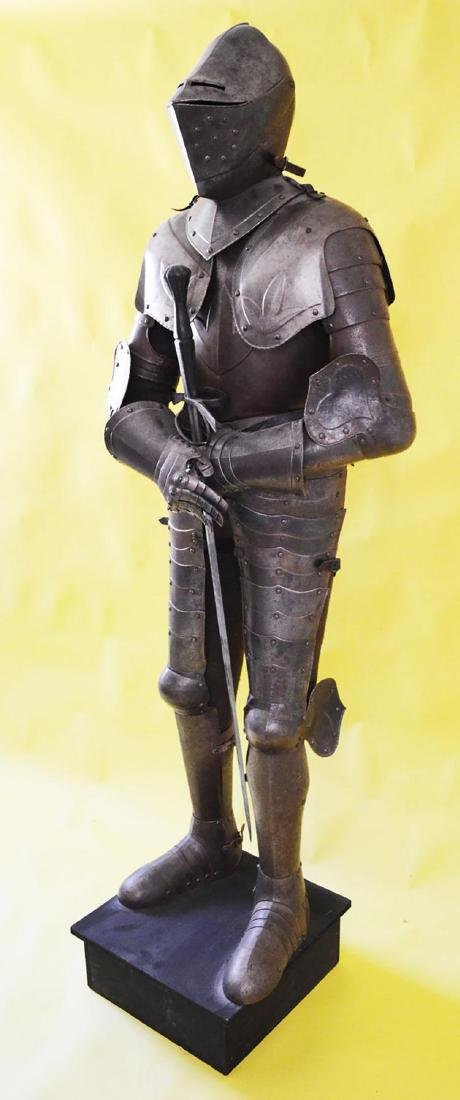 Rare 17th Century French Style Life Size Complete Suit - 8