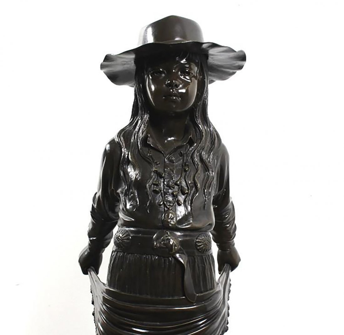 Large Signed  Bronze Sculpture Of A Young Girl - 2