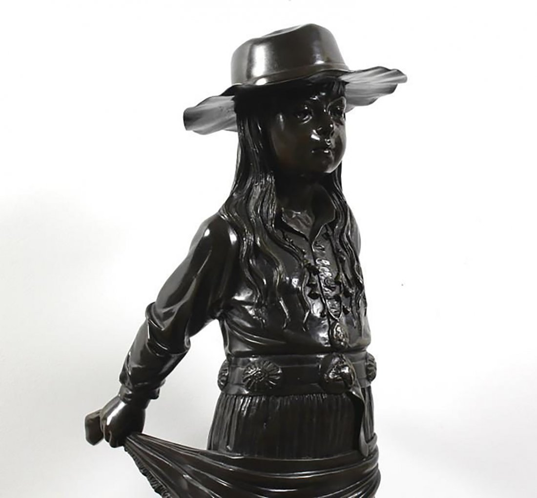 Large Signed  Bronze Sculpture Of A Young Girl - 4