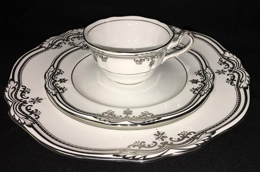 Spode Bone China Dinnerware Stafford Platinum Pattern - 2