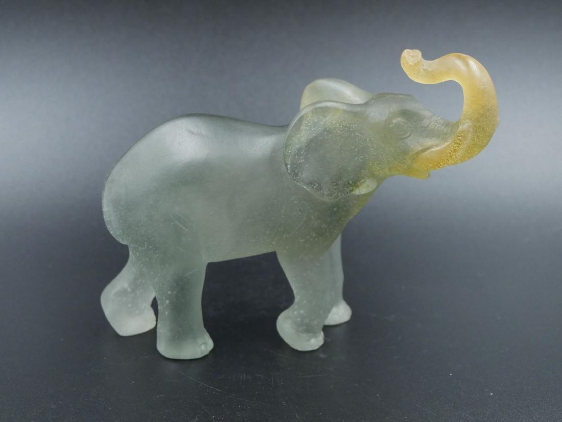 DAUM France, Eléphant en pâte de cristal grisE et or, l