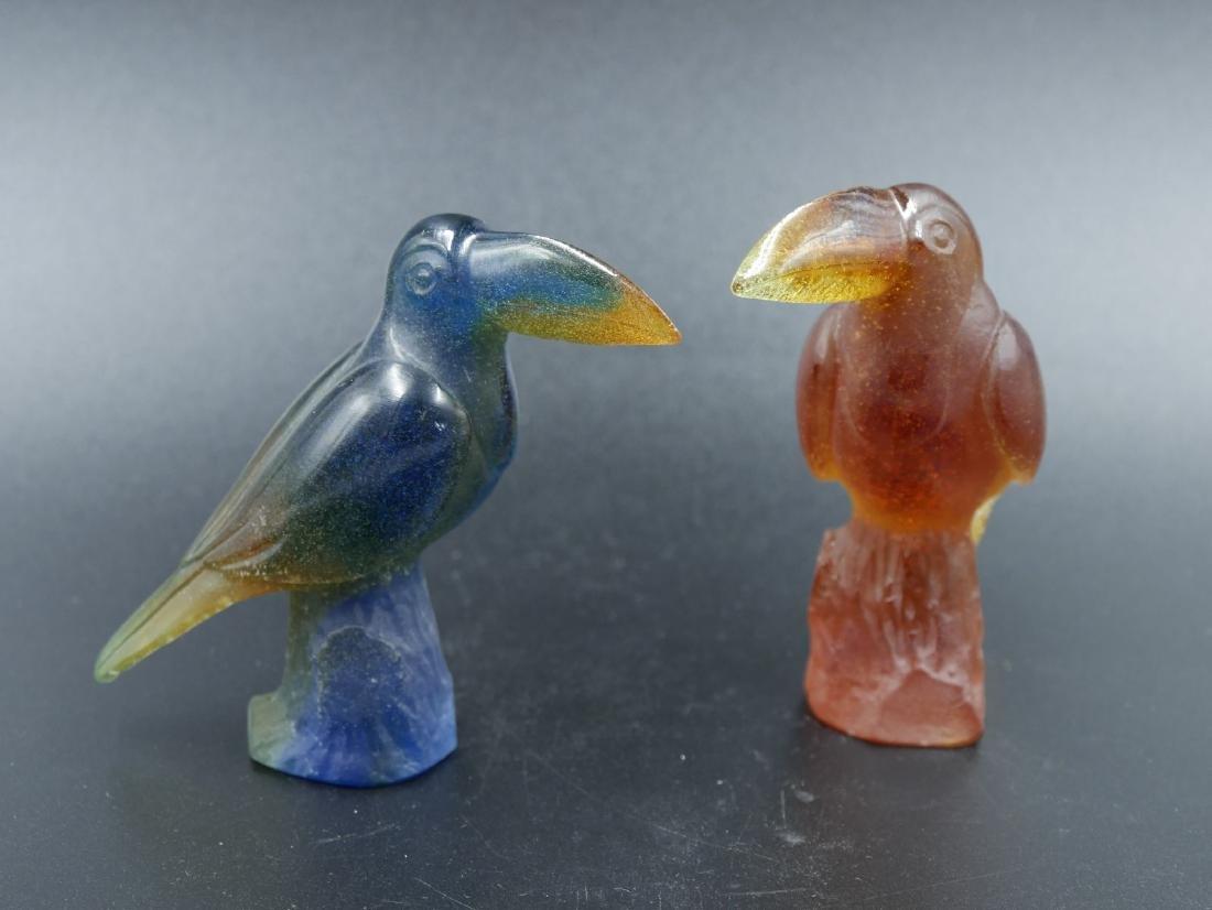 DAUM FRANCE, Une paire de toucans en pâte de cristal de