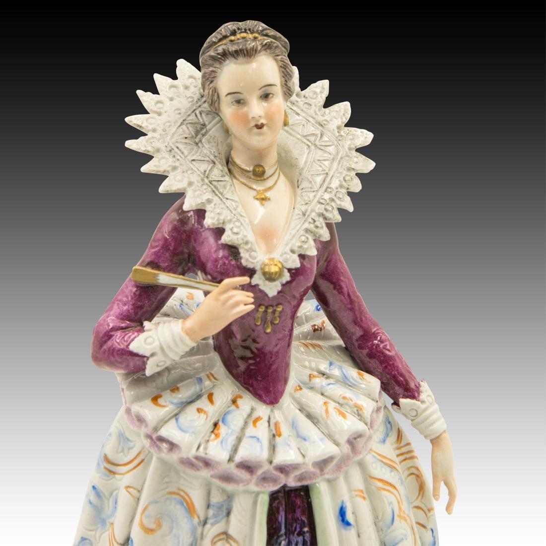"""""""Costume du Temps de Henri IV"""" Figurine - 5"""