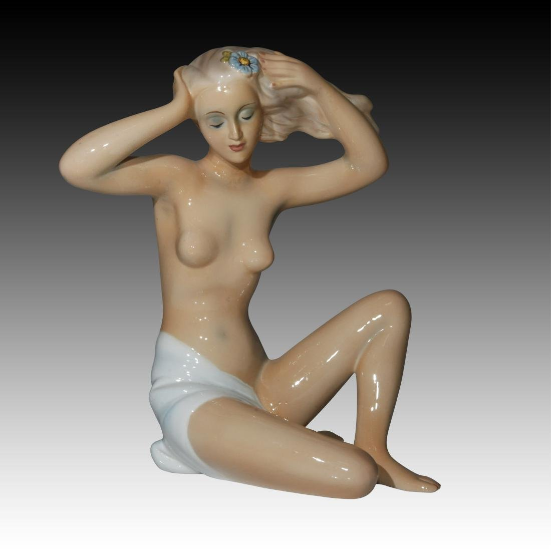 Italian Nude Female with a Flower in Hair Figurine