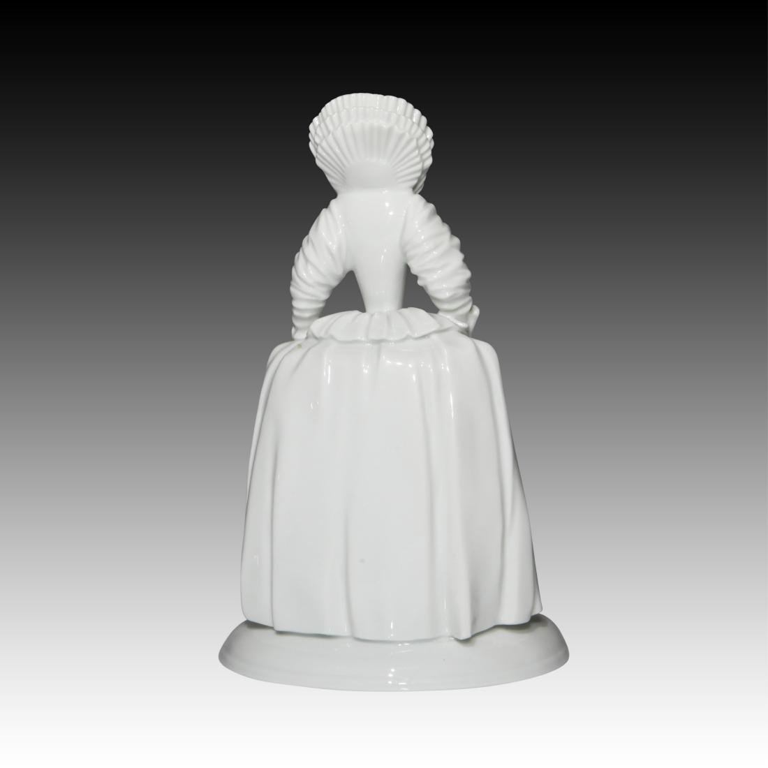 Wein Blanc de Chine Period Figurine - 2