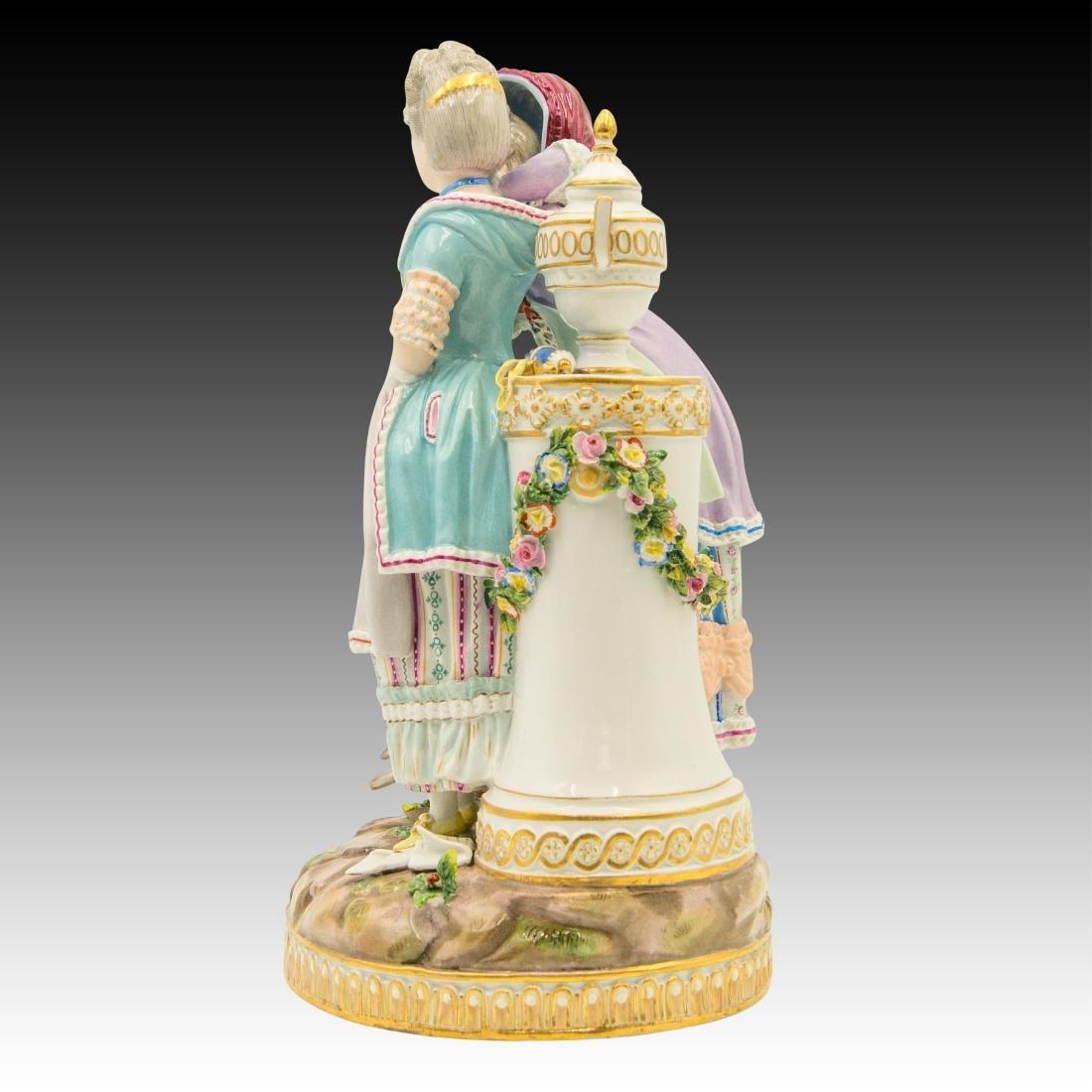 Meissen Figurine with 2 Women with Birds and Urn - 4